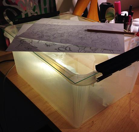 Illustratører avslører triks og tips. Som denne hjemmesnekra lysboksen til Illdesign.
