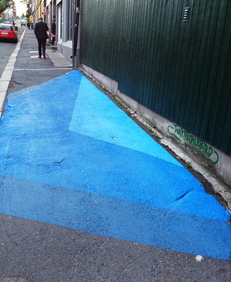 Blå asfalt av Kollaboratoriet.