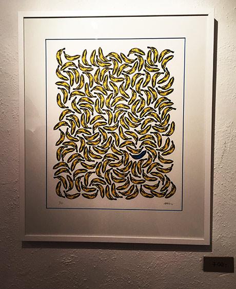 Utstillingen Bananas består av silketrykk, stensilering og installasjon!