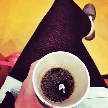 Deilig med en kaffe før det hele braker løs...