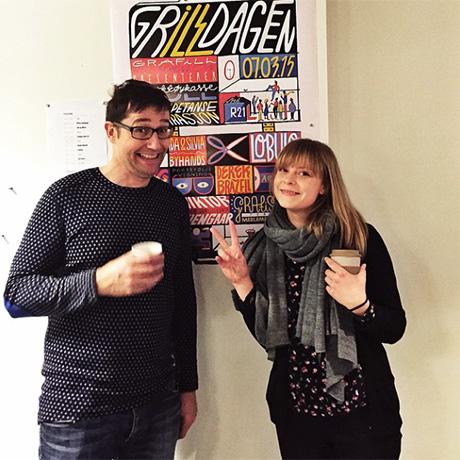 Erik og Sandra fra Grafill Illustrasjon foran den freshe plakaten Sandra har laget!