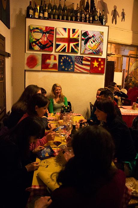 Flere langbord var dekket - og det var veldig hyggelig å treffe illustratører fra hele europa.