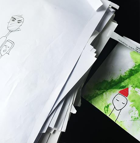 En bunke med skisser