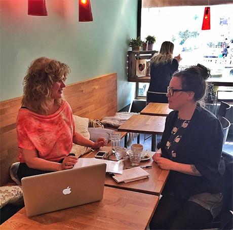 I juni hadde Gitte og jeg morgenmøte og diskuterte format, papir og alt annet man må tenke på rundt en bok.