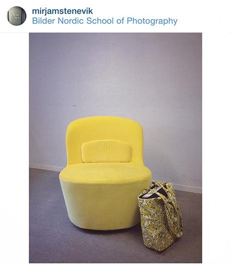 Selveste intervjustolen. Med den matchende bananveska mi...