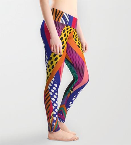 Eller denne tightsen da! For meg som elsker fargerike strømpebukser! (Kilde: Society6 av Danny Ivan)