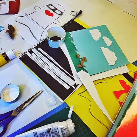 28c_arbeidsbord_HiOA_digital_kunst_CathrineLouiseFinstad_desillustrert_illustrasjon_foredragsholder